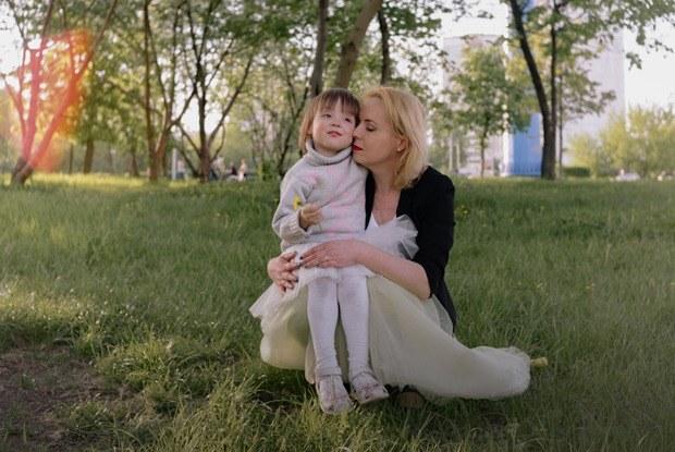 Светлана Цуканова — ожизни сВИЧ ивоспитании дочек