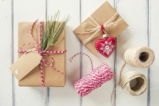 В последний момент: Где искать новогодний наряд, подарки ипраздничный декор