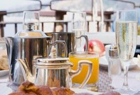 От кавы до «Советского»: Где позавтракать с шампанским в Екатеринбурге