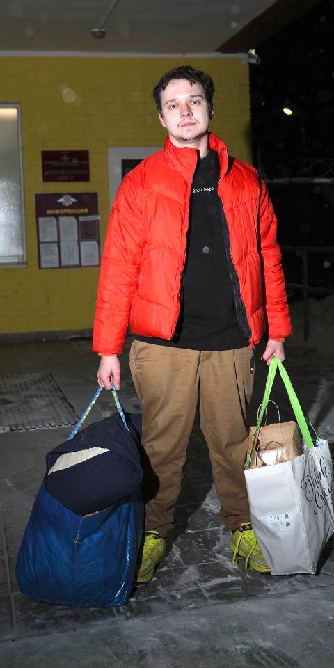 SMM-редактор Aviasales Роман Бордунов вышел насвободу. Его арестовали после акции вподдержку Навального