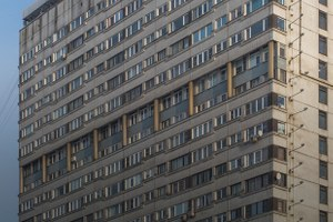 Яживу вдоме-пластине наплощади Победы (Петербург)