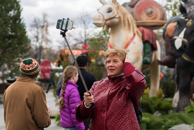 «Больше всего понравился ослик»: Москвичи — остранных объектах нагородских улицах