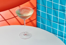 Шампанерия La Vie Aquatique встиле Уэса Андерсона у Каретного ряда, суши-бистро COBA на Новой Площади и пиво для собак