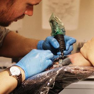 Как оставить офисную работу иоткрыть тату-студию