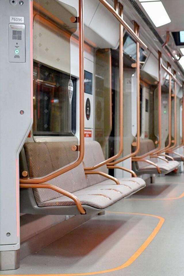 ПоБКЛ будут ездить новые поезда сUSB-разъемами укаждого сиденья. Такиеже ходят поКольцевой линии
