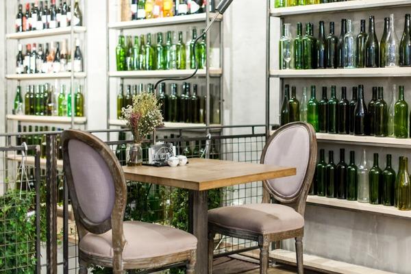 7 баров, кафе,ресторанов иодин продуктовый магазин, открывшиеся воктябре