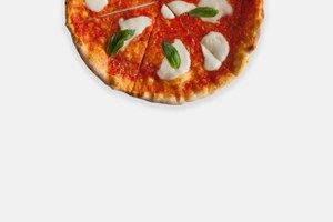 """«Сицилийская """"Маргарита""""», «Под одеялом» и «Перейдёт ли курица дорогу?» — три пиццы изMontalto"""