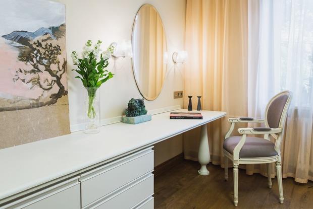 Квартира с декоративным камином для семьи сноворождённым