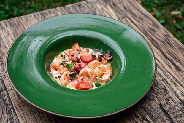 Гастрогалерея, «Домик в саду» и«Русалка суши»