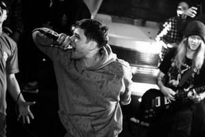 «Людоед»: Мрачный хардкор-панк изКирова