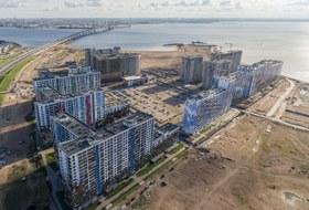 Шум, ветер, песок в квартирах изапах моря: Как живут новоселы нанамыве Васильевского острова