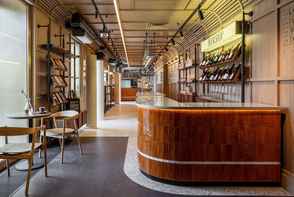 Кофейня икрасивый ресторан вкинотеатре «Художественный», суши-бар наСтрастном ишведский стол на«Стрелке»