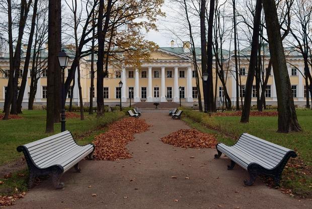 Что происходит с парком Каменноостровского дворца?