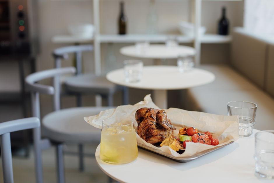 Ростичерия «МатаМата», спикизи-проект Room DND, кафе The Bun и очень красивое велокафе на Невском