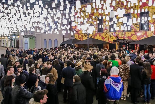 «Спасибо засчастливое детство»: Как Москва прощалась с баром «Симачев»