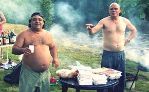 Братья гриль: московские повара готовят шашлык