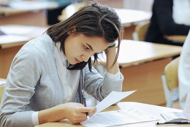 Любовь вшкольных коридорах: Учитель литературы — овозвращении выпускного сочинения