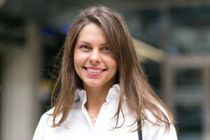 Нина Квасняк, менеджер посвязям собщественностью