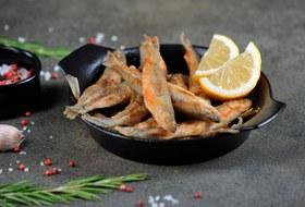 Рыба этой весны: Где можно заказать корюшку (и готовые блюда из нее)