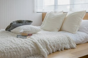 Летний режим: Что нужно поменять вспальне снаступлением тепла