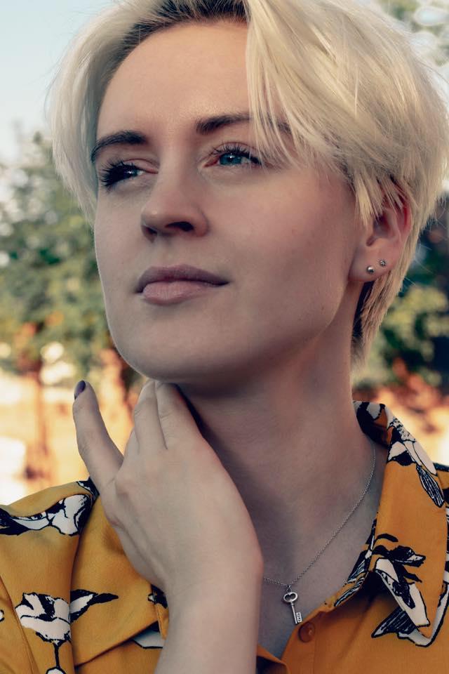 Бывшую семинаристку ВШЭ Анну Велликок отправили вСахарово. Более 100преподавателей Вышки потребовали вернуть ейработу