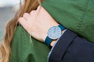 Мужские иженские наручные часы