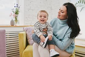 Искусственное вскармливание: Три мамы о плюсах и минусах