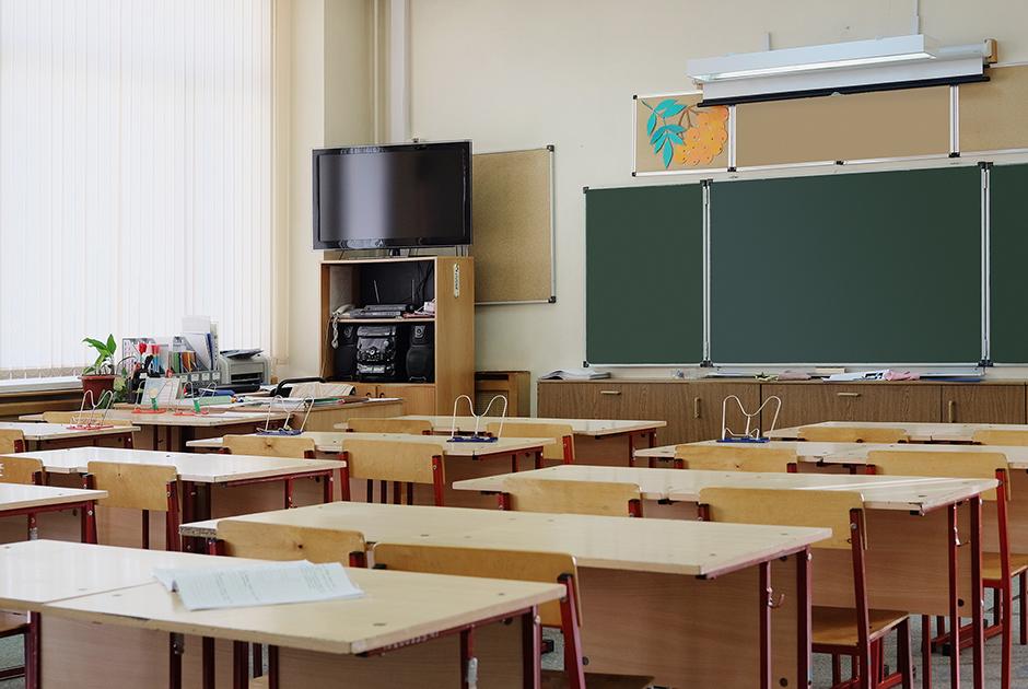 Школьные учителя— тиктокеры— омиллионах просмотров, отсутствии денег иреспекте пятиклассников
