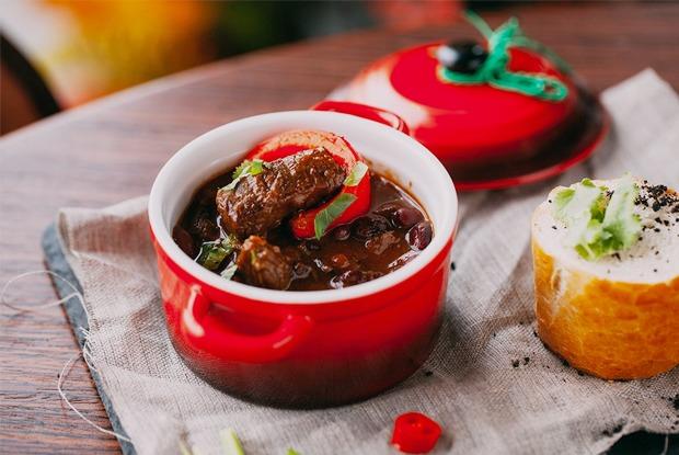 Винный ресторан TheSafe, вегетарианское кафе Rootz, обновлённое меню «Рубинштейна»