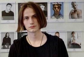 «Я работал моделью в Европе иАзии»