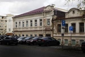 Салон для интровертов и гедонистов в усадьбе на Хохрякова