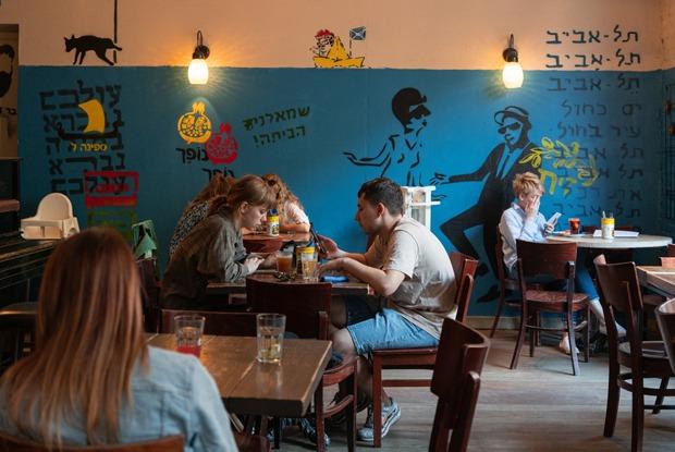 Возвращение ресторанов: Каквыглядят посткарантинные Некрасова и Рубинштейна