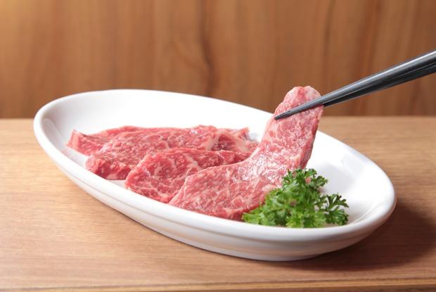 «Я думала, что лучше других»: Бывшие вегетарианцы — о возвращении к мясу