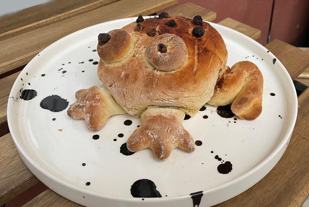Frog bread: Все пекут хлебных лягушек. Попробуйте ивы!
