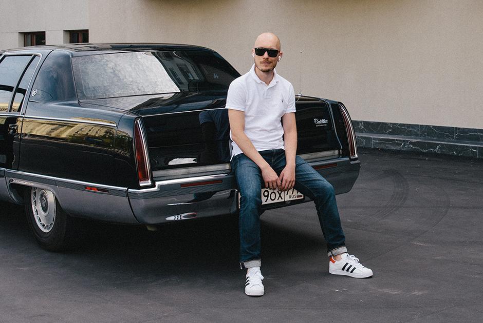 Старый Cadillac— автомобиль из90-хдля президентов илетних прогулок поМоскве