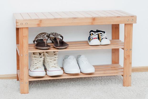 Жители Флоренции, Вены, Нью-Йорка, Мадрида, Лондона— отом, нужно ли снимать обувь вгостях или нет
