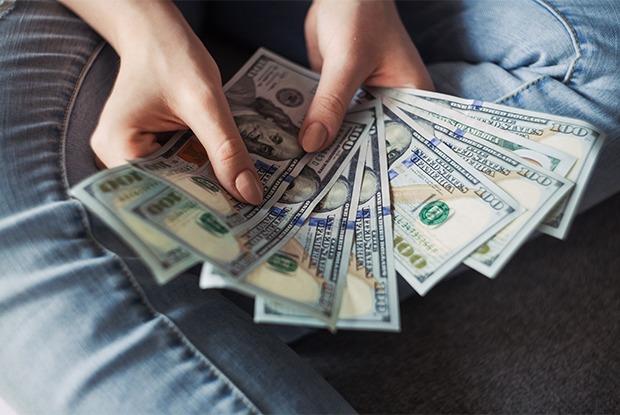 Иркутские финансовые консультанты — о том, что делать в кризис