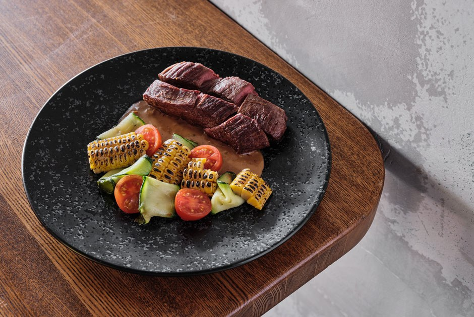 Shokumotsu наПетроградке, гигантский семейный ресторан в«Севкабель Порту» и«Dбар иномера» наНекрасова