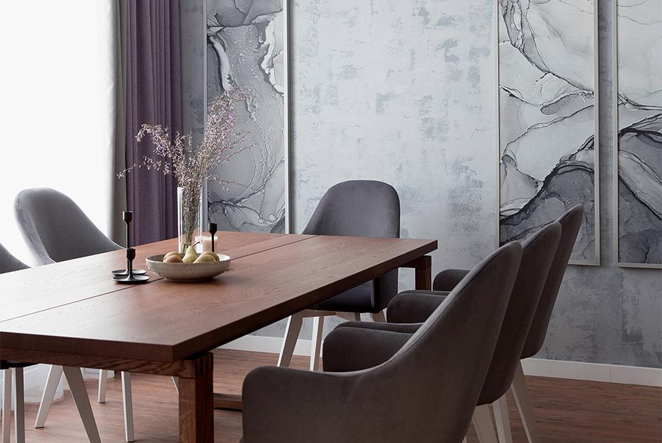 Двухэтажный коттедж вжемчужных тонах длябольшой семьи подЕкатеринбургом