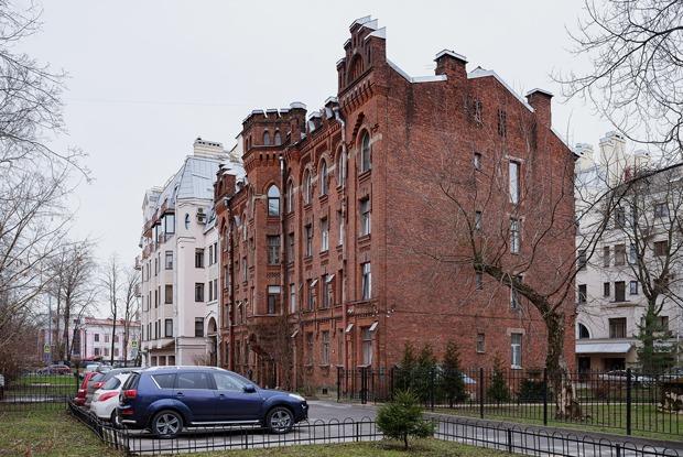 Как в неоготическом доме наКрестовском сделали общественное пространство
