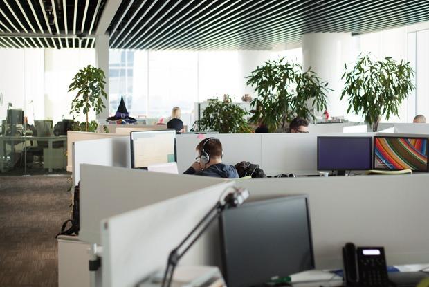 Можно ли заниматься своими проектами, работая вкорпорации?