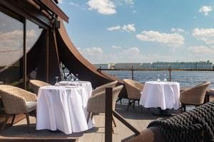 «Офис Seafood & Bar» с кухней Дмитрия Блинова, ресторан «1703» и La Salumeria на Василеостровском рынке