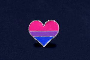 Что-то среднее между гомо- и гетеросексуальностью: Верите ли вы в мифы о бисексуалах