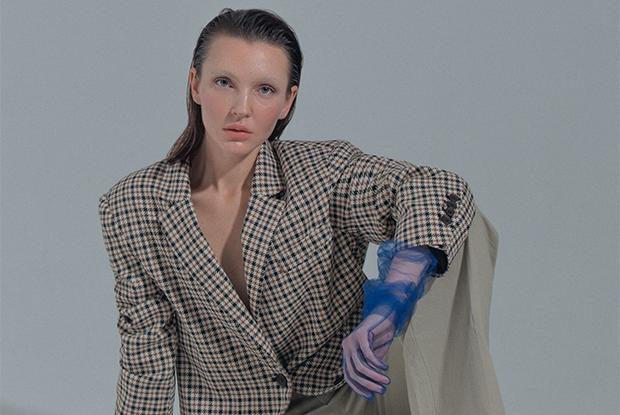 Лайкра, кожа, сетка: Как поменять образ с помощью длинных перчаток