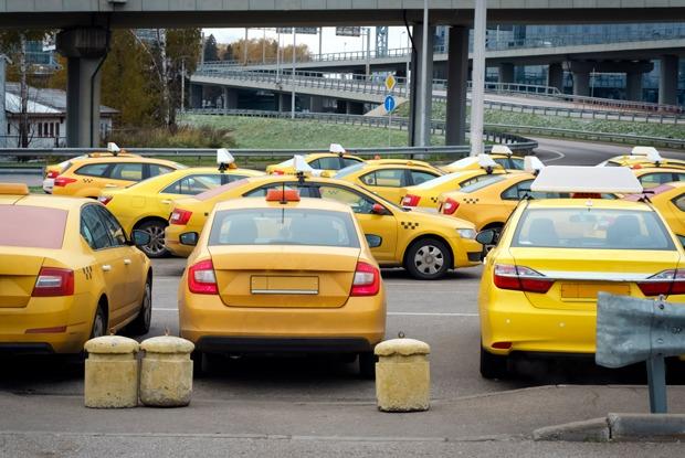Сервисы такси передают данные пассажиров силовикам. Воткак это происходит