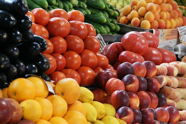 «Мы в октябре умрём с голоду»: Продавщица овощей и фруктов — отом, что происходит на рынках Москвы