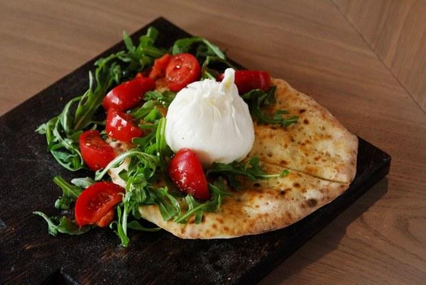 Неаполь изПетербурга: «Пицца 22сантиметра» наСолянке