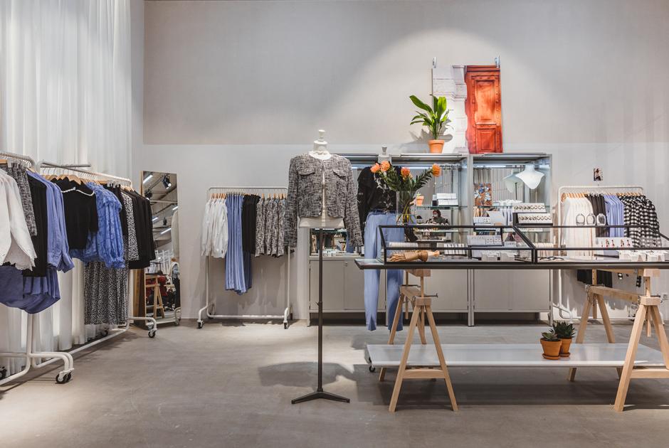 Первый магазин &Other Stories в«Метрополисе»