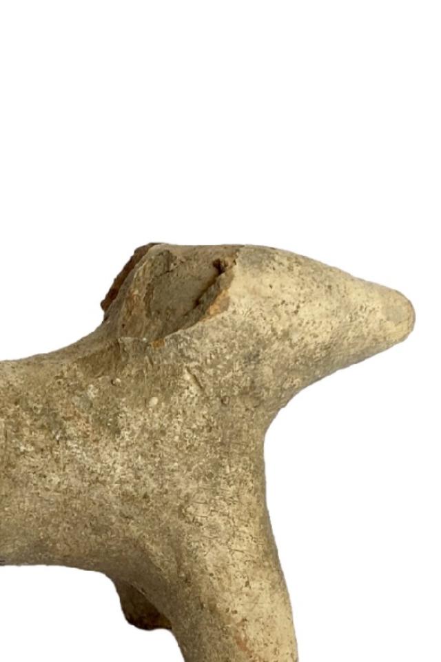 Банки, погремушки, фигурка медведя— что еще нашли археологи наСретенке