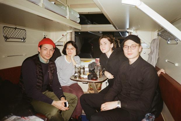 «Как мы 13часов ехали напоезде изМосквы вМоскву исняли обэтом фильм»